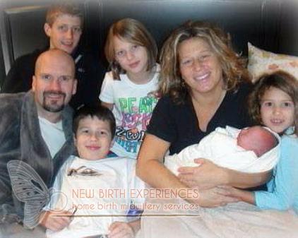 happy-home-birth-family